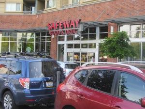 """Supermercado Safeway cerca de """"casa"""". Útil las 24 horas."""