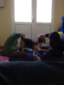 Una parte del proceso de rehabilitación de Gus consistió en masajes.